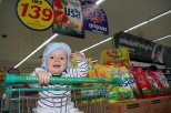 Felix beim Shoppen