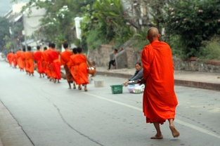 Mönche am Morgen