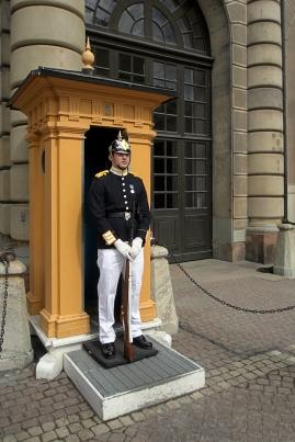 Am Königspalast