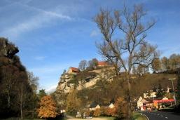 Enter Pottenstein