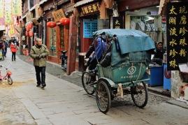 Motorisierte Taxen sind im Stadtkern von Tongli zum Glück tabu