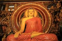 Buddha in der Eingangshalle