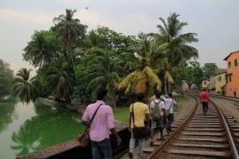 Auch in Colombo dienen Schienen als Wanderwege
