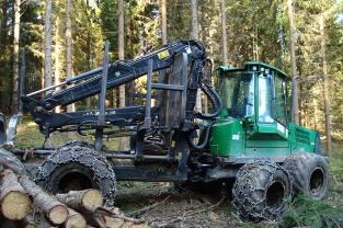 Waldarbeiter-Trecker-Kran-Bagger