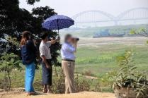 Manchen reisen mit Schirmherren