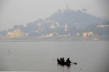 Boot vor Sagaing