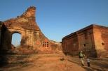 Ruinenwanderung