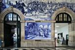 Kunstvoller Bahnhof
