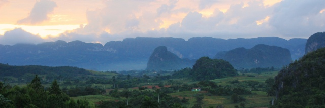 IMG_1799_vinales_sunset_PANO_MINI