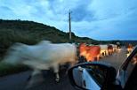 Gegenverkehr auf der Landstraße nach Trinidad