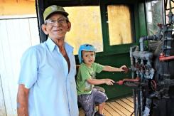 Inspektion in der alten Dampflok