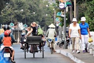 Maria und Felix auf dem Weg zum Pier