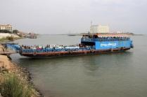 Mekong Fähre mitten rein ins Dorfleben