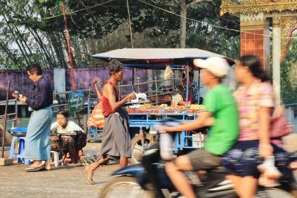 Gewusel vor der Kyaik Thanlan Pagode