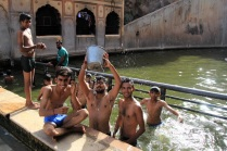 IMG_6404_monkey-temple-waterparty_MINI