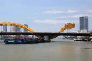 Kann man nicht verfehlen: Die Drachenbrücke